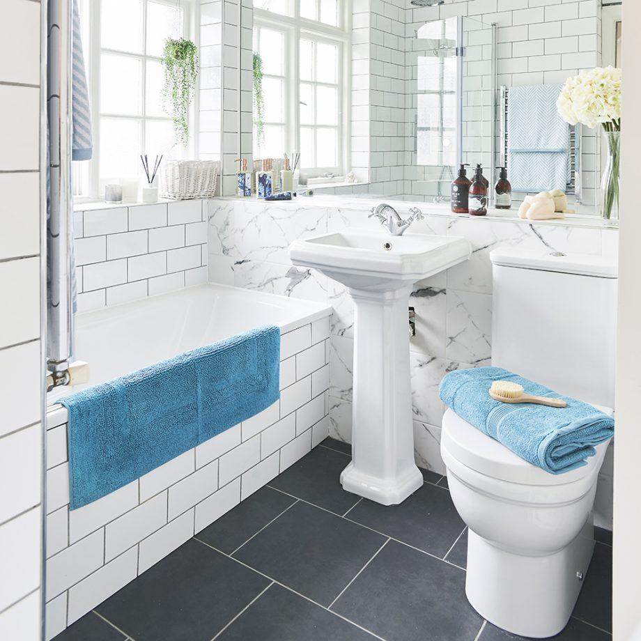 صورة ديكورات حمامات بسيطة , ديكور بسيط للحمامات الصغيره