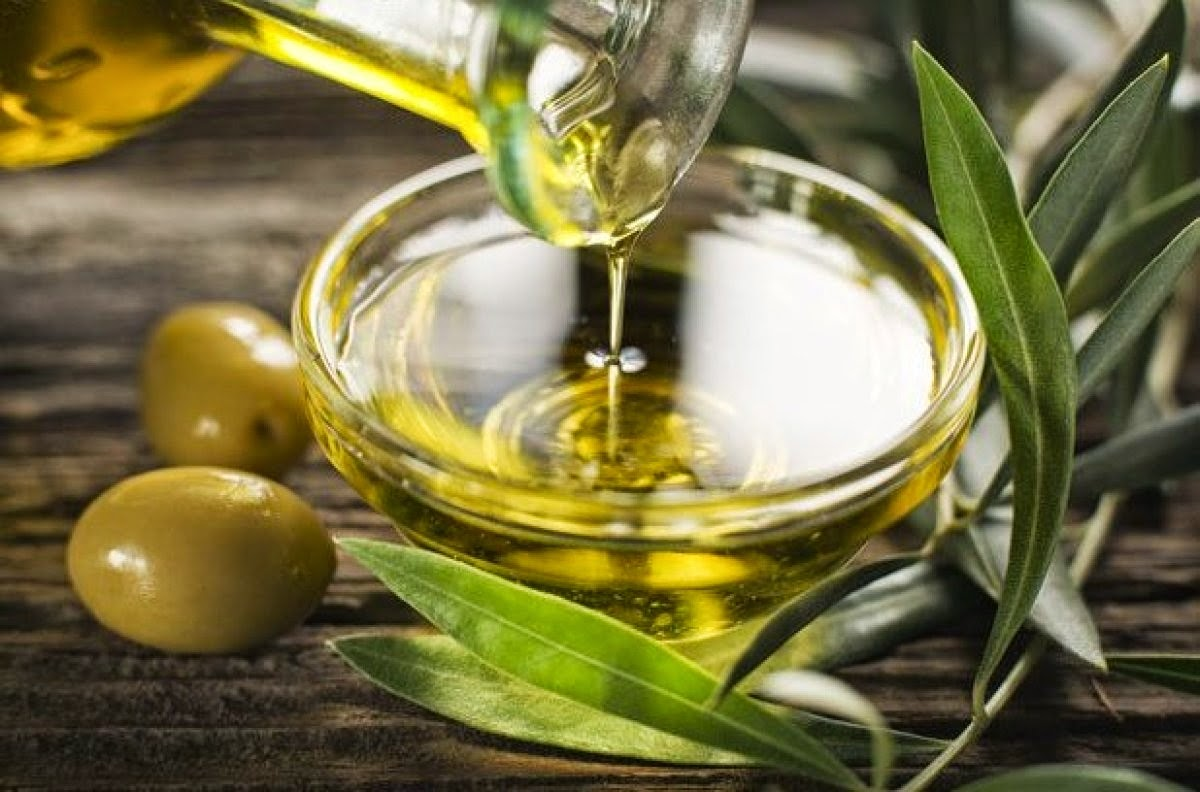 صور فوائد زيت الزيتون للبشرة , زيت الزيتون وفوائده العديدة
