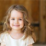 صور رمزيات بنات كيوت , صورة طفلة كيوت كارتون خلفية