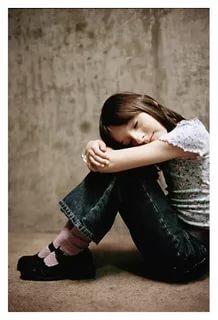 صورة طفلة حزينة , اكثر الصور المؤثرة للاطفال