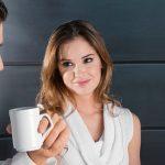 كيف تعرف ان شخص يحبك من نظراته , طرق التعرف على الشخص الذى يحبك من نظراته