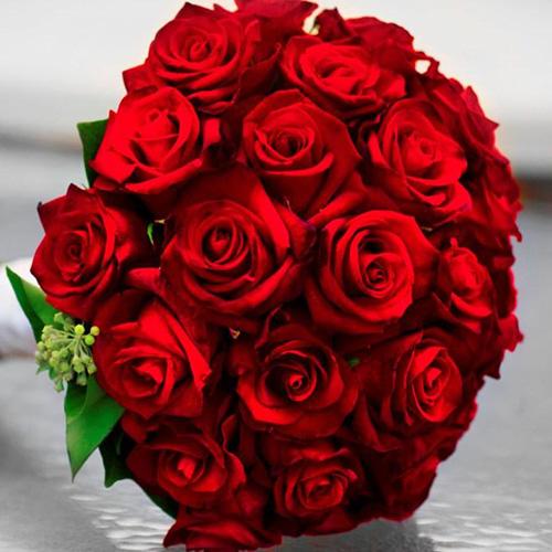 صورة بوكيه ورد احمر , باقة زهور حمراء 5087 2