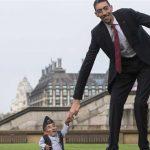 اطول رجل في العالم , الرجل الاكثر طولا في العالم