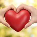 كيف تجعل شخص يحبك وهو بعيد عنك , مواصفات الحب و كيف اعرف انه يحبني