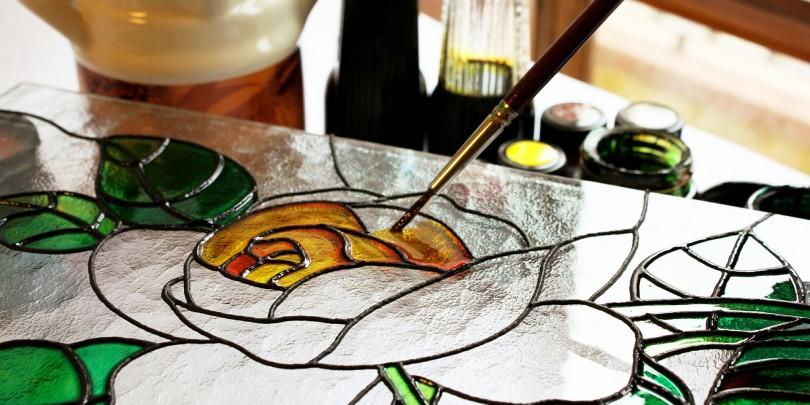 صورة الرسم على الزجاج , ابسط طريقة لرسومات الزجاج