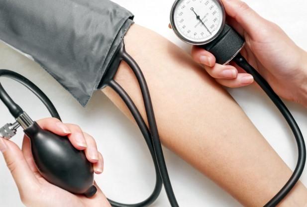 صور متى يكون ضغط الدم خطر , مخاطر ارتفاع ضغط الدم