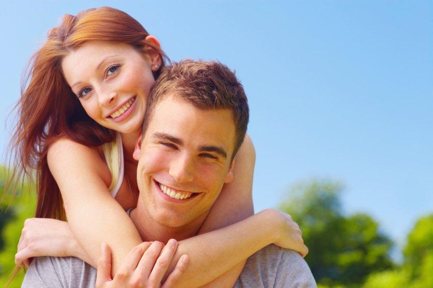 صورة المراة تحب الرجل الذي لا يهتم بها , صفات تجذب المراة للرجل الغامض