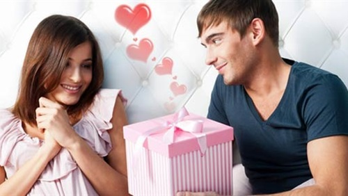 صورة كيف تجعلين زوجك يحبك , اعلمى احتياجات الرجل و سيعشقك